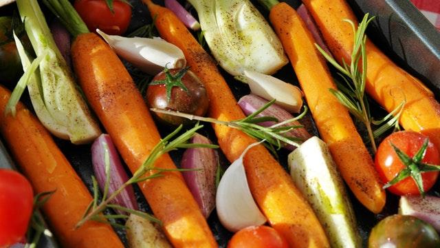 Ovengroente wortel knoflook tomaat.jpg