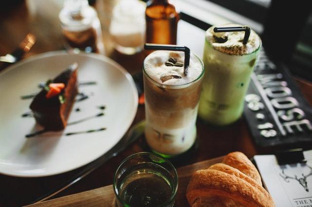 Gezonde matcha smoothie als snack